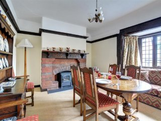 2 bedroom Cottage with Internet Access in Llanidloes - Llanidloes vacation rentals
