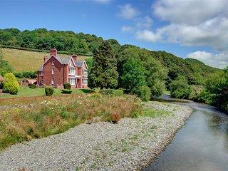 Comfortable 4 bedroom Cottage in Capel Bangor - Capel Bangor vacation rentals
