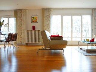 Av Bugeaud 75016 Paris - 516013 - Neuilly-sur-Seine vacation rentals