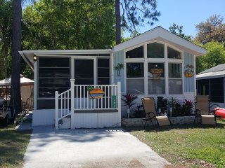 3 bedroom/2 bath - Close to Nathan Benderson Park  and Seista Key Beach - Fruitville vacation rentals