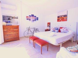 Offer for May! Villa Minerva Alcudia - 50 meters to the beach - Puerto de Alcudia vacation rentals