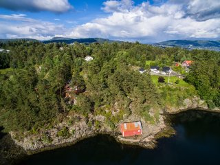 Cozy cabins 25 min. outside Bergen, close to the sea - Bergen vacation rentals