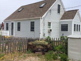 Nice Cottage with Deck and Water Views - Humarock vacation rentals