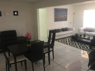 Nice 4 bedroom House in Miami Gardens - Miami Gardens vacation rentals