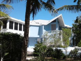 Blue Villa - School Is Out - Sleeps Up to 14 - Turtle Cove vacation rentals