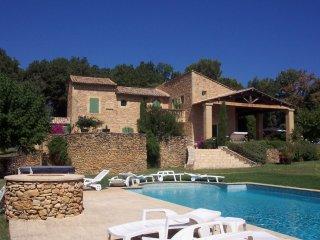 3 Chambres d'hôte dans mas provençal, piscine, tennis, Chambre Est lit double - Mondragon vacation rentals