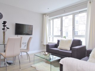 Near Big Ben | Victoria  Station| River Thames | 3 bedroom | Lift & new building - London vacation rentals
