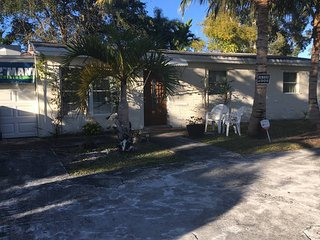 Great Area, 3 Bedrooms, 10 min from the Beach! - Davie vacation rentals
