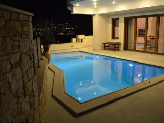Bright 4 bedroom Agia Paraskevi Villa with Internet Access - Agia Paraskevi vacation rentals