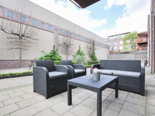 Between centrum& Erasmus University - Rotterdam vacation rentals