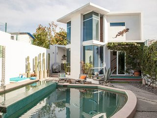 Mini Villa in with pool and jacuzzi - La Paz vacation rentals