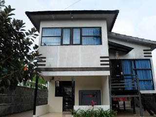 2 bedroom Villa with Satellite Or Cable TV in Gowa - Gowa vacation rentals