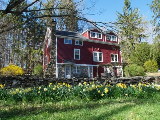 Converted Barn on 5+ Acres. WiFi & Serenity. - Clinton Corners vacation rentals