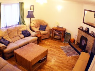 1 Riverside Cottages, 3 bed holiday let 10 mins from the world famous beach. - Charmouth vacation rentals