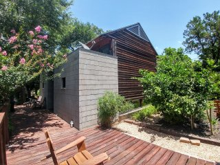 Downtown guest house - eclectic, great location - Austin vacation rentals