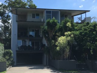 Walking distance to Prince Charles Hospital - Chermside vacation rentals