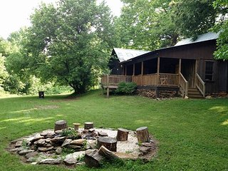 KelleyAcresCabins, 18 acres of country - Elkin vacation rentals