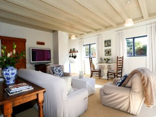 Perfect Studio with Internet Access and Wireless Internet - Te Awanga vacation rentals