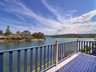 Seagull Shores 14- Absolute Waterfront - Bilambil Heights vacation rentals