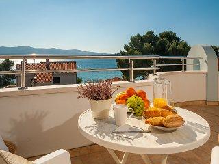 Villa Croatica Ivory Studio with Swimming Pool and Sea View - Zaboric vacation rentals
