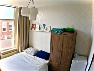 Guest Room in Statenkwartier, Den Haag: An Ideal Location for Shopping & Beach! - Scheveningen vacation rentals