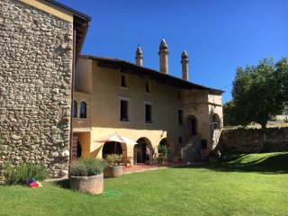 700 year old, fully renovated country villa. - Caprino Veronese vacation rentals