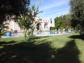Villa Fleurie, Pool and staff on site - Ghazoua vacation rentals