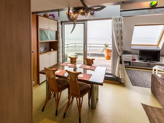 Nice Condo with Deck and Elevator Access - Nieuwpoort vacation rentals