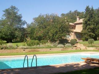 Villa di campagna con piscina e parco, 8 posti letto - Lubriano vacation rentals