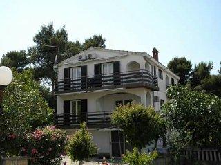 Apartment Tornjevi Guest Suites - Petrcane vacation rentals