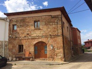 House with 6 rooms in Llano de Bureba, with wonderful mountain view and WiFi - Llano de Bureba vacation rentals