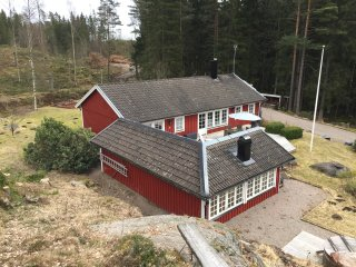 Idyllic lakehouse retreat in beautiful forest-Rent for weekends or longer breaks - Borås vacation rentals