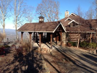 Private Luxury Lodge - Hot Tub & Views Franklin/Highlands, North Carolina, US - Franklin vacation rentals