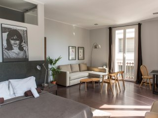 THEVINTAGERENTALS  Top Floor Penthouse Suite cv4 - Barcelona vacation rentals