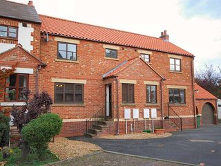 Eskside cottage mill court ruswarp whitby north yorkshire riverside dogs welcome - Ruswarp vacation rentals