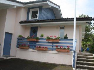 L'Abri Côtier Lugrinois  près d'EVIAN LES BAINS  côté jardin - Lugrin vacation rentals