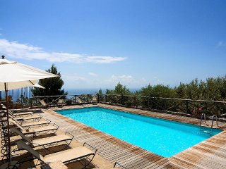Bright House with Deck and Internet Access - Sant'Agata sui Due Golfi vacation rentals