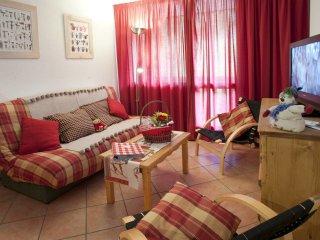 Cozy 2 bedroom Apartment in Montalbert with Internet Access - Montalbert vacation rentals