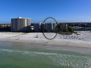Direct Beachfront 2 BR/2BA Condo On #1 Beach, Sunset View! Crescent Arms 404S - Siesta Key vacation rentals