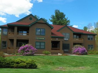 2 Bedrm Deer Park Vacation Rental with free shuttle to Loon Ski Resort - North Woodstock vacation rentals