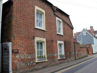 Cozy 3 bedroom Salisbury House with Internet Access - Salisbury vacation rentals