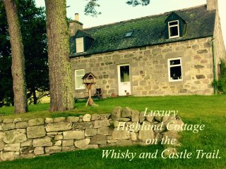 Luxury Highland Cottage on the Whisky and Castle Trail. Speyside, Scotland. - Aberlour vacation rentals