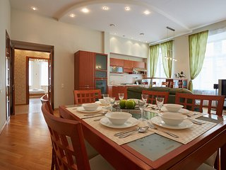 3 room apartment. City Center, all the sites are within walking distance - Saint Petersburg vacation rentals