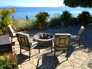 Executive Class, 2-Bdrm Ocean-Front Suite in Cordova Bay with Sandy Beach - Victoria vacation rentals