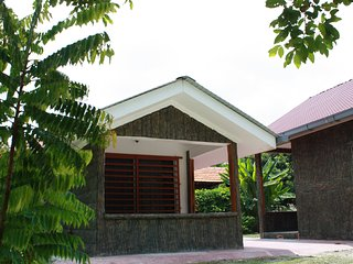 Nice Private room with A/C and Satellite Or Cable TV - Lukut vacation rentals