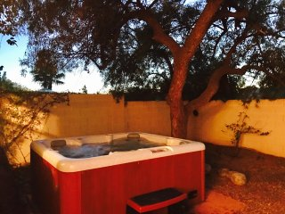 Roomy Tucson Home Base With Private Backyard Jacuzzi/Oasis - Tucson vacation rentals