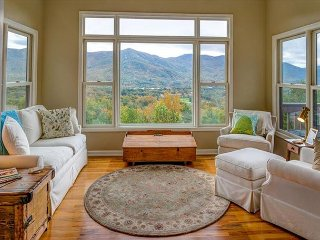 Robin's Nest | 4 BR Asheville Area Vacation Rental | Mountain Views - Black Mountain vacation rentals