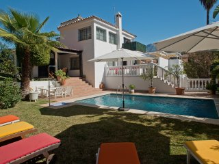 A beautiful, 4 bedroom villa in a gated complex in Nueva Andalucia near  P.Banus - Nueva Andalucia vacation rentals