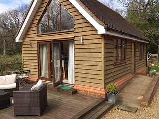 Beautiful self-contained one bedroom en suite cottage - Pease Pottage vacation rentals