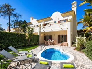 3 Bedroom Townhouse with own small pool - Quinta do Lago vacation rentals